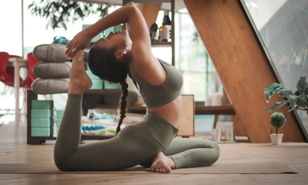 Yogalicious Leggings: Lux vs Nude Tech. Which is more like Lululemon?